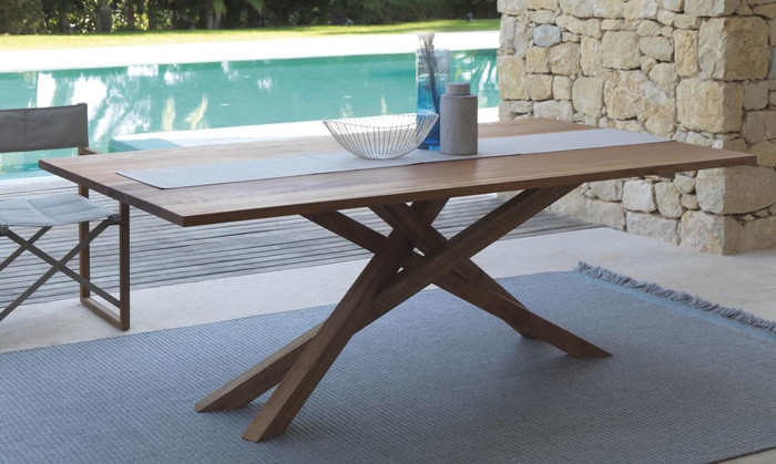 Bridge outdoor dining table in Mahogany Wood