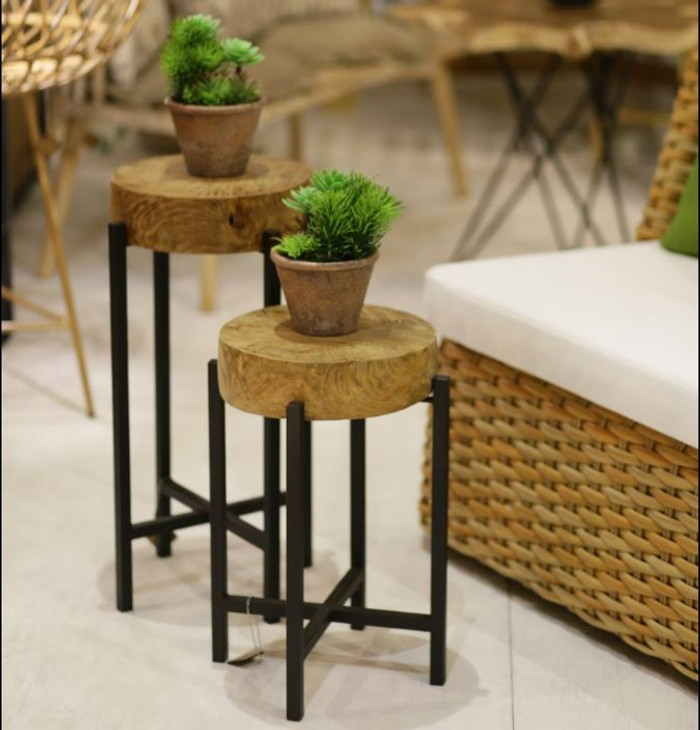 Round Corner teak and metal outdoor accent table