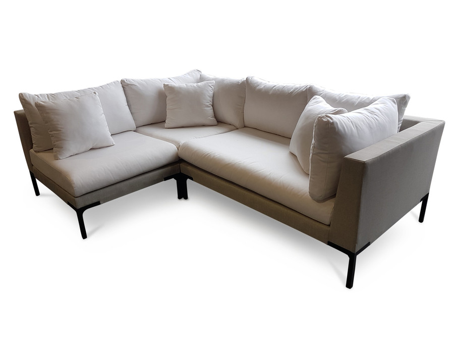 From Left to right : arm-less sofa, corner sofa, left arm sofa. A right arm sofa is also available. Mix and match to create your perfect shape