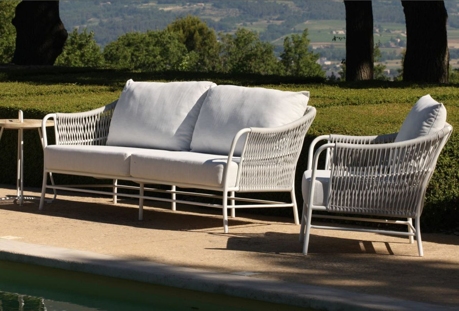 shown with optional Roma outdoor arm chair