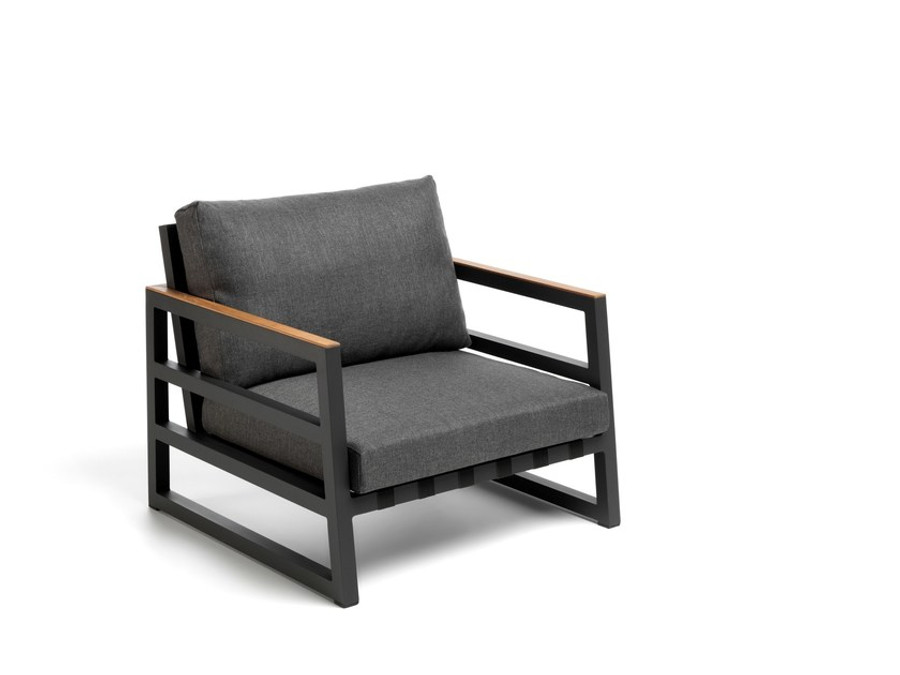Alabama Alu outdoor arm chair by Talenti