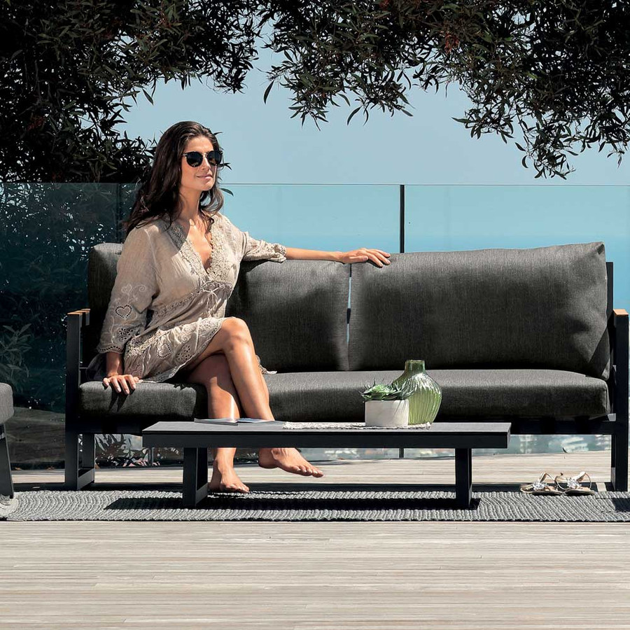 Alabama Alu coffee table with Alabama outdoor sofa
