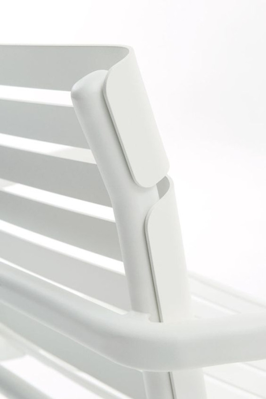 Maiori AT800 series stacking arm chair