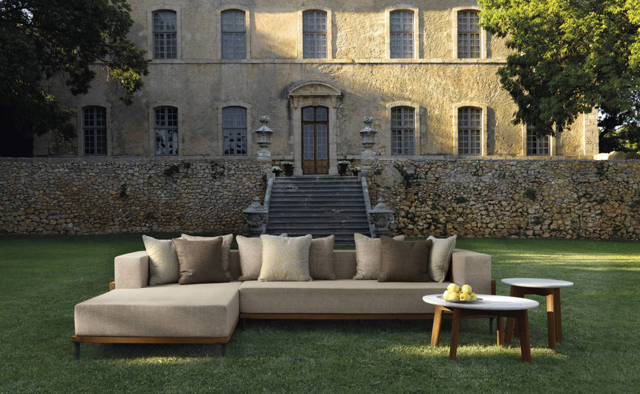 CLEO is now only availabel in mirror image to picture shown here Shown with optional Cleo coffee tables. Scatter cushions not included.