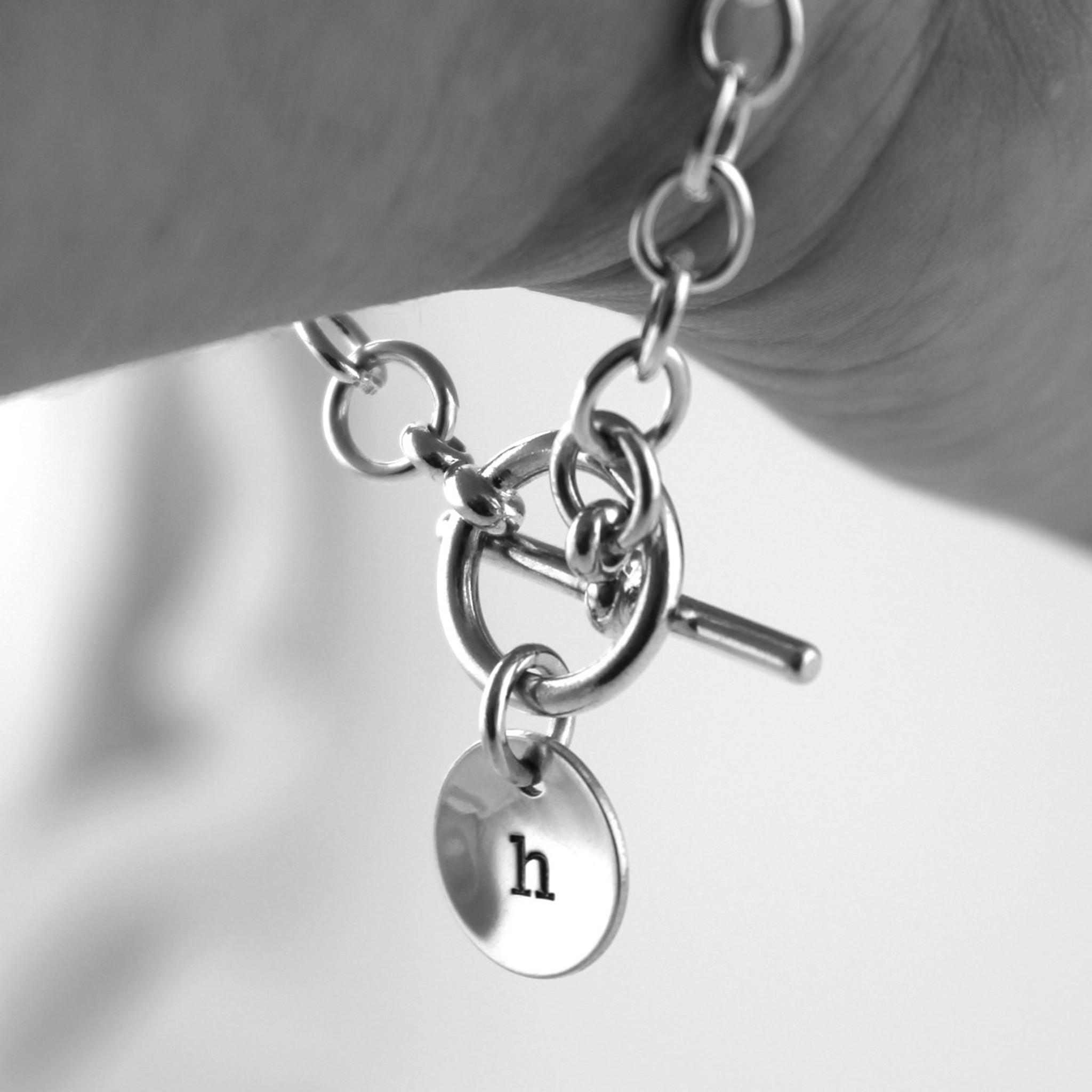 Hey Punky! How do I decide the size of my toggle bracelet?