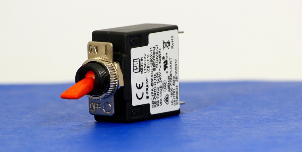 BBBC0064 (1 Pole, 12.5A, 240VAC, Quick Connect, Series Trip, UL Recognized (UL 1077))