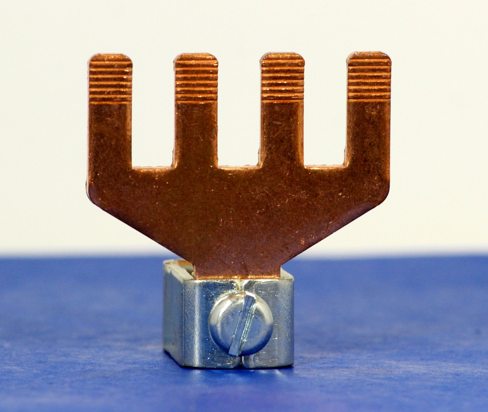 3191003 (4 Pole Copper Bridge, 95mm^2 box term, (WG 3/0))