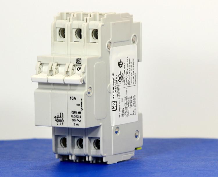 QLD38KM10 (3 Pole, 10A, 120/240VAC; 240VAC, UL Listed (UL 489))