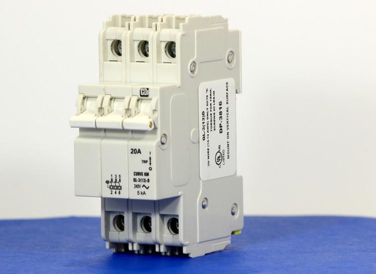 QLD38KM20 (3 Pole, 20A, 120/240VAC; 240VAC, UL Listed (UL 489))