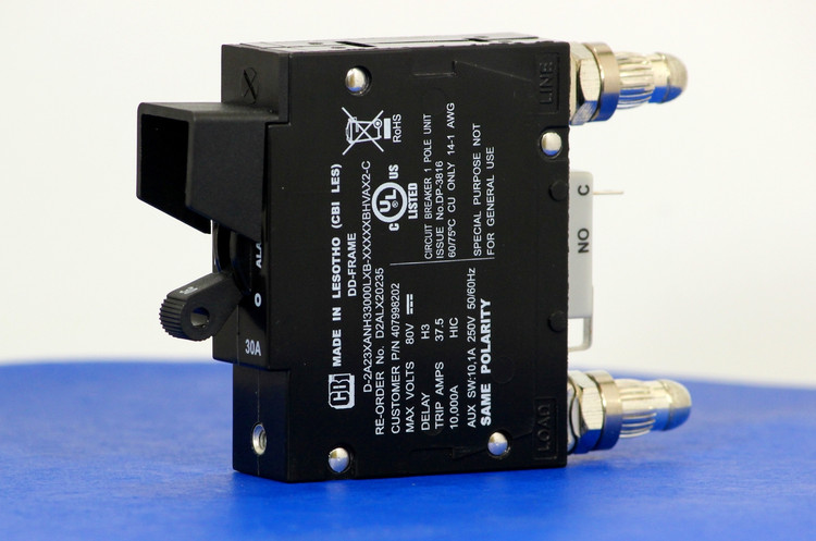 D2ALX20235 (1 Pole, 30A, 80VDC, Plug-In Terminals, Series Mid-Trip w/alarm, UL Listed (UL 489))