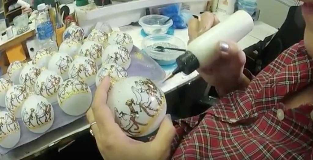 How Hand Painted Gift Hearts by Teresa Ornaments are made