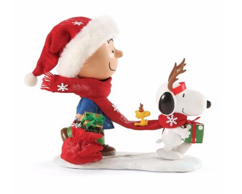 "Department 56 - Peanuts Clothtique ""Reindeer Games"" Figurine"