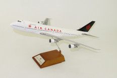 JC Wings Air Canada Boeing 747-200 C-GAGB With Stand  Scale 1/200
