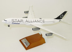 "JC WINGS LUFTHANSA ""STAR ALLIANCE"" A340-300 D-AIGY WITH STAND SCALE 1/200"