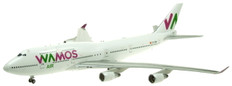 J-Fox Wamos Air Boeing 747-400 EC-KSM with stand due Scale 1/200