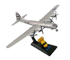 AIR FORCE ONE B-29 ENOLA GAY WITH FAT MAN ATOMIC BOMB SCALE 1/144