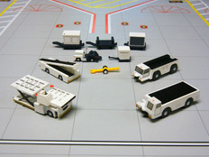Gemini 200 Airport Service Vehicles Scale 1/200 G2APS451 CLS
