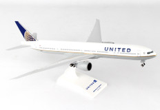 Skymarks United Boeing 777-33 with gear Scale 1/200 SKR900