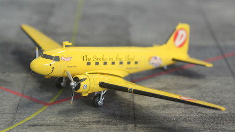 Herpa Duggy DC-3 N1XP Scale 1/200 553452