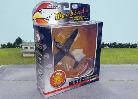 Corgi Warbirds Series Curtiss P40 Kittyhawk IA - Flt Lt Les Jackson April 1942 Scale 1/72 WB99610