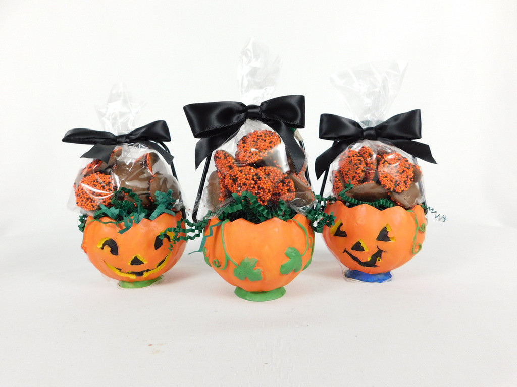 This Small Ceramic Pumpkin contains 3oz. chocolate covered non-pareils.