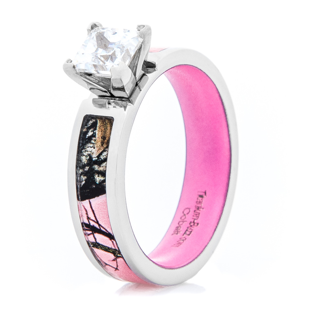 Women S Pink Mossy Oak Camo Engagement Ring With Interior