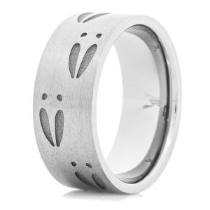 Men's Titanium Deer Track Wedding Ring
