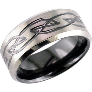 Men's Celtic Knot Ring with Beveled Edge