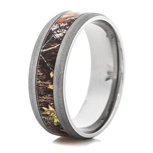 Men's Sandblasted Titanium Mossy Oak Camo Ring