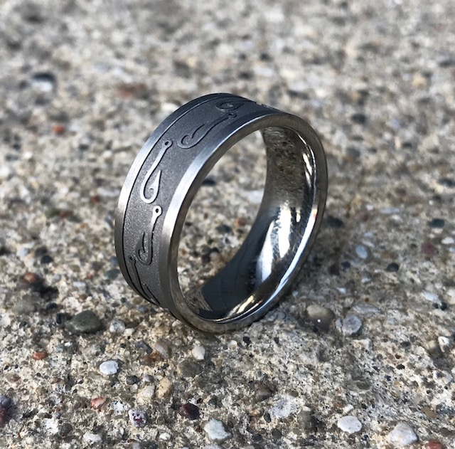 Men 39 s titanium fish hook ring titanium buzz for Fish hook wedding band