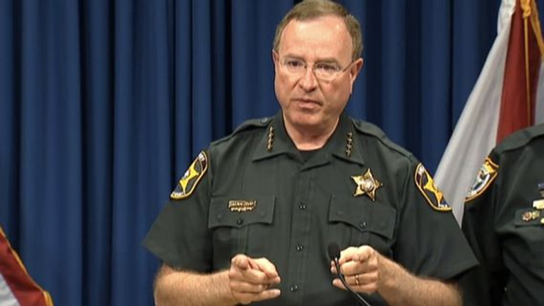 Florida sheriff delivers strong message to county: 'If you're not afraid of a gun, get one'