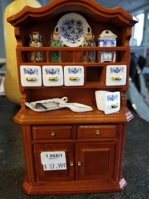 Reutter Porzellan - Spice Hutch with Blue Onion Dishes