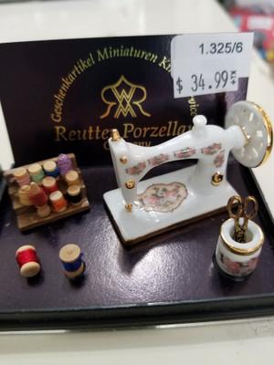 Reutter Porzellan - Sewing Machine & Accessory Set