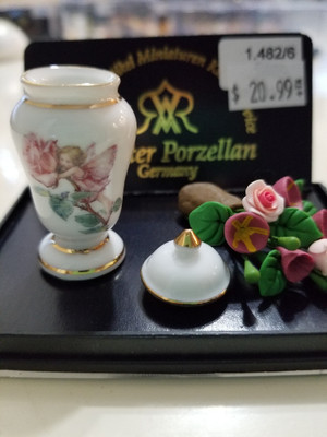 Reutter Porzellan - Flowers & Fairy Vase
