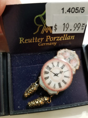 Reutter Porzellan - Antique Rose Wall Clock
