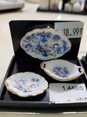Reutter Porzellan - Blue Onion Oval Platter Set