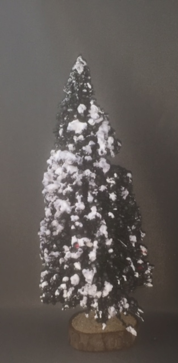 "7"" Christmas Tree - Undecorated"