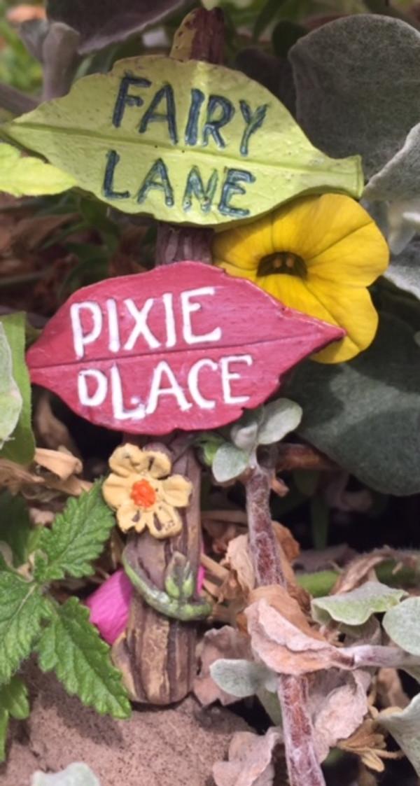 Fairy Garden Sign (Leaves)