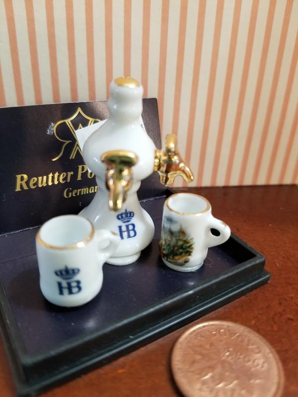 Reutter Porzellan -   Dispenser and Mugs Set