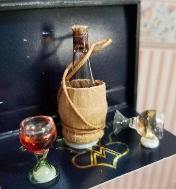Reutter Porzellan -   Chianti Bottle & Glasses Set