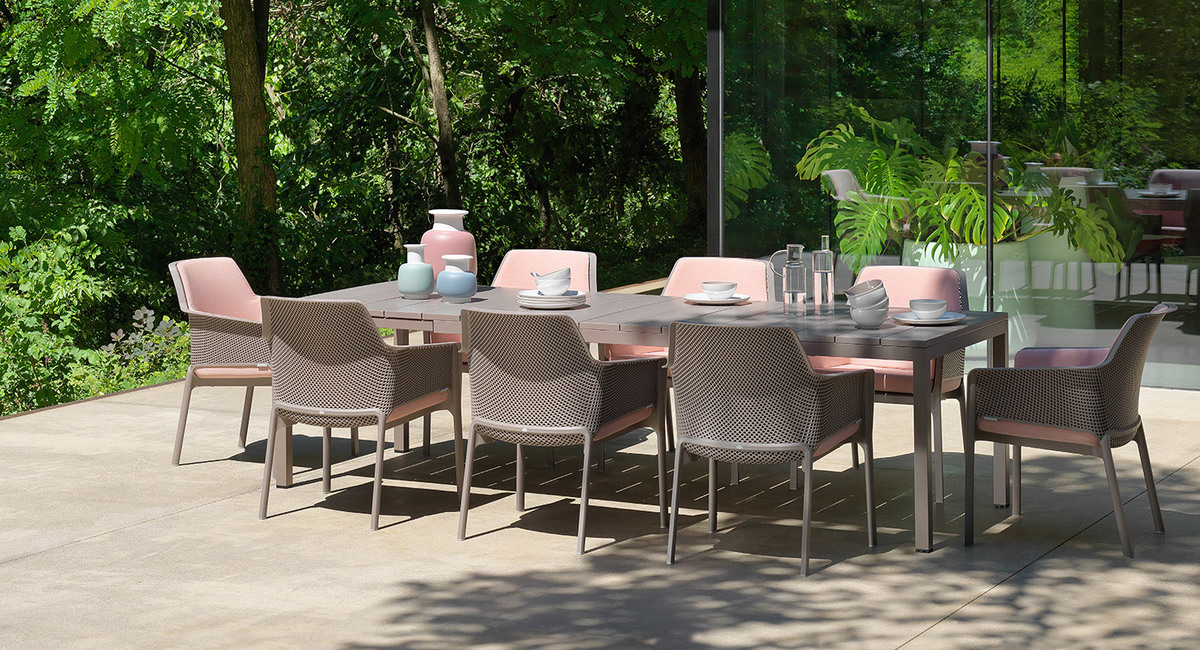 The Outdoor Rio Dining Collection