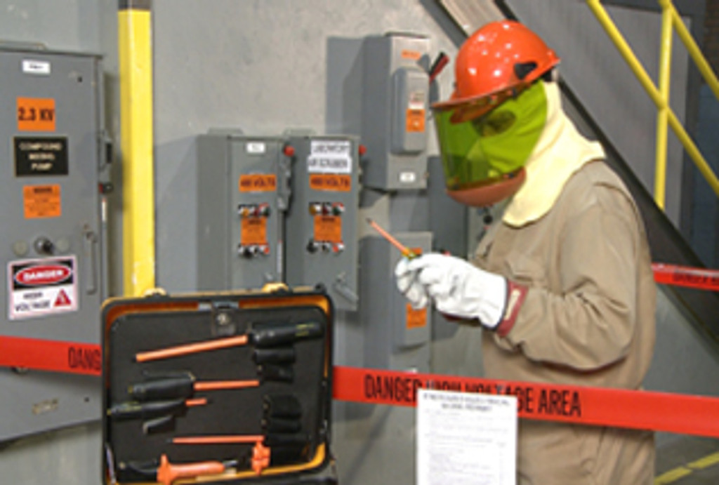 2015 NFPA 70E and Safe Electrical Work Practices - Video