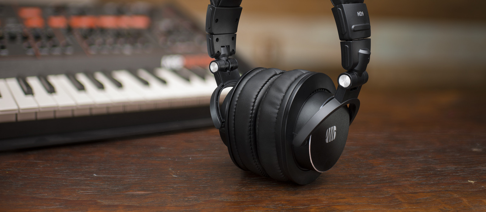 Headphones & h/p amps