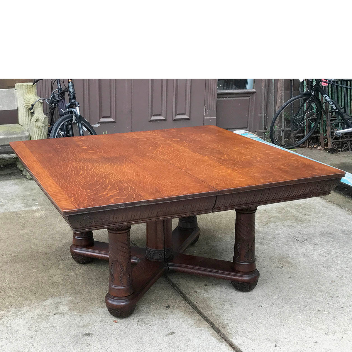 F17098 - Antique Late Victorian Carved Quartersawn Oak Table