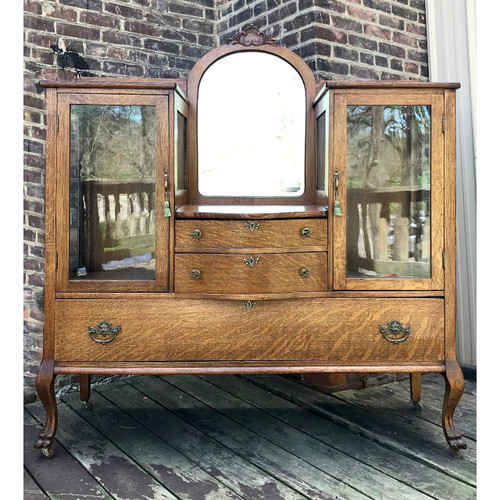 F17146 - Antique Colonial Revival Quartersawn Oak Sideboard