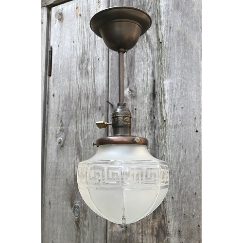 L18051 - Antique Arts and Crafts Style Pendant Light Fixture