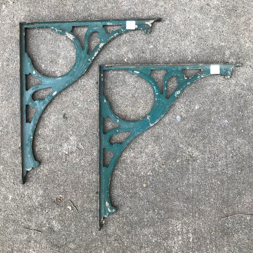 S18023 - Pair of Antique Cast Iron Brackets