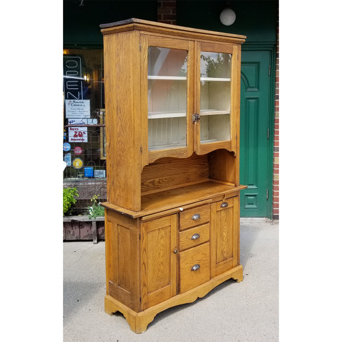 F18112 - Antique Victorian Oak Cupboard