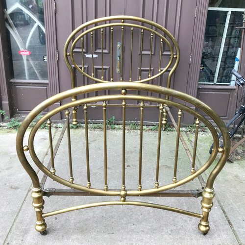 F18120 - Antique Brass Bed
