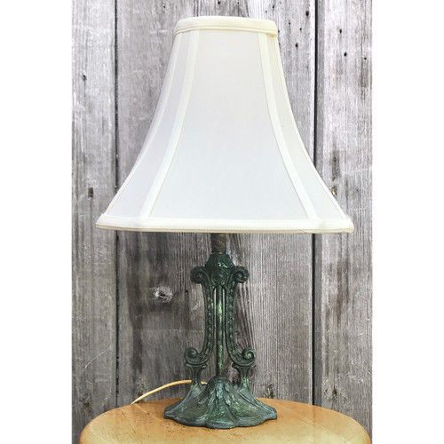 L18138 - Antique Lamp